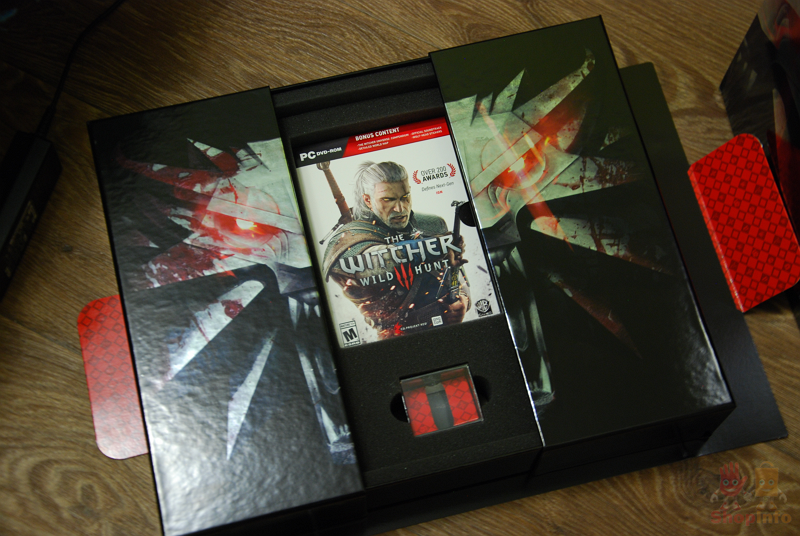 The Witcher 3 Collector's Edition (10).